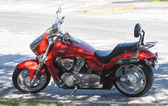 CORAL GABLES, FL USA - NOV 15, 2009: Suzuki Boulevard M109R Motorcylce parked on the road side in Coral Gables, Florida, USA — Foto Stock