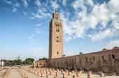 MARRAKESH, MOROCCO - NOV 20: Minaret of the ancient Koutoubia mosque in the city of Marrakesh. November 20, 2008 in Marrakesh, Morocco — Stock Photo