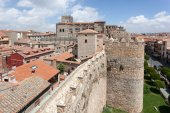 Ancient wall and cathedral of Avila, Castile and Leon, Spain — Stock Photo