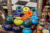 Traditional moroccan ceramics and jewelry in an artisanry shop. Fez, Morocco, Africa — Stock Photo