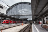 FRANKFURT - DEC 6: Main Train Station in Frankfurt. December 6, 2014 in Frankfurt Main, Hesse,  Germany — Foto Stock