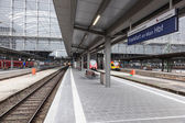 FRANKFURT - DEC 6: Main Train Station in Frankfurt. December 6, 2014 in Frankfurt Main, Hesse,  Germany — Foto de Stock
