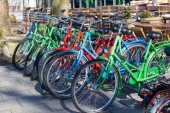 Colorful bicycles in the city of Bremen, Germany — Stock fotografie