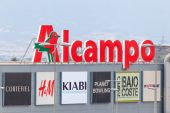 Commercial center Nueva Condomina in Murcia — Stock Photo