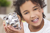 Girl Child Piggy Savings Money Bank — Foto de Stock