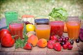 Healthy drinks freshly squeezed — Stock Photo
