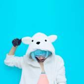 Teddy Bear Girl DJ. Crazy winter party. Club dance style — Stockfoto