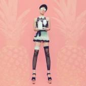 Sexy lady waitress. Glamorous party style vanilla pineapple back — Stock Photo