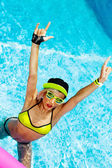 Sexy Girl in pool hot summer RNB  party styl — Stock Photo