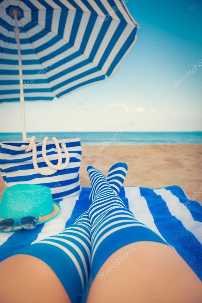 Стройные голые девочки на пляже фото 326-288