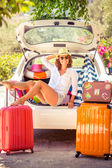 Woman going on summer vacation — Stock Photo
