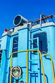 Closeup view of a service electical railroad engine of blue colo — Stockfoto
