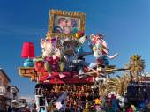 VIAREGGIO, ITALY - FEBRUARY 2:   allegorical float about the wor — Stock Photo