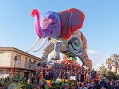 VIAREGGIO, ITALY - FEBRUARY 2:   allegorical float at Viareggio  — Stock Photo