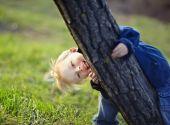 在公园的小男孩 — 图库照片