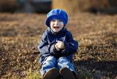 快乐的小男孩在笑 — 图库照片