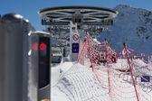 山のスキー場のリフトの椅子 — ストック写真