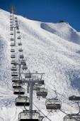 Teleférico em ski resort krasnaya polyana, rússia — Fotografia Stock