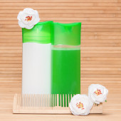 Natural shampoo and hair conditioner — Stockfoto