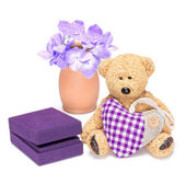 Charming teddy bear with fabric heart and gift box for jewelry — Foto Stock