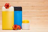 Verschiedene kosmetische Produkte für die Körperpflege — Stockfoto