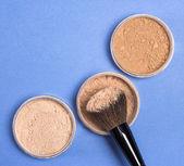 Diverse tonalità di cipria in polvere cosmetica — Foto Stock