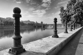 View of the Old Town in Prague from Vltava river bank — Стоковое фото