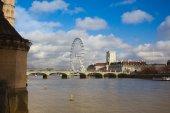London Eye and Thames South Bank — Stock Photo