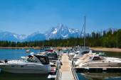 Dock boat on Jenny Lake, Grand Teton — Stockfoto