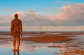 Spectacular sculptures are on Crosby beach. — Stock Photo