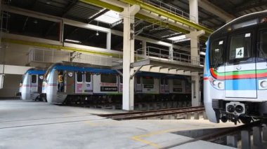 Metro Train Station — Stock Video