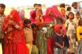 Gente pobre en el desierto — Foto de Stock