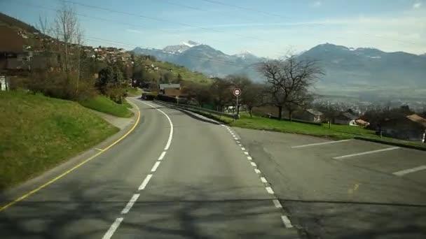 Viaje de carretera en Suiza — Vídeo de stock