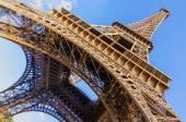 Eiffel tower wide — Stock Photo