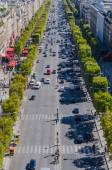 Champs elysees traffic — Stock Photo