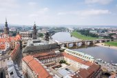 Cityscape of Dresden and River Elbe — Stockfoto
