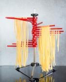 Secado de pastas italianas hechas — Foto de Stock
