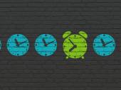 Timeline concept: green alarm clock icon on wall background — Stock Photo