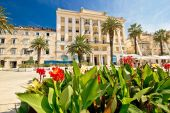 Split Riva waterfront nature and architecture — Stock Photo
