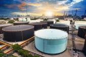 Oil storage tank in petrochemical refinery industry plant in pet — Stock Photo