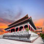 Beautiful chinese temple against dusky sky use for china ,east a — Stock Photo