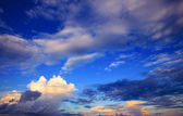 Beautiful sky scape of clouds in rainy season with morning light — Stock fotografie