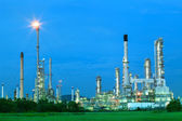Beautiful lighting of oil refinery industry estate plant with fr — Stock Photo