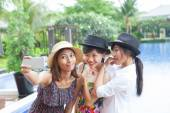Portrait of younger asian woman selfie by smart phone use for mo — Stock Photo