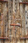 Old barn door, 16th century farm house in Sweden — Stock Photo