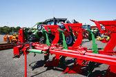 Tractoren en plows close-ups — Stockfoto