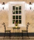 スチール椅子装飾的なラグジュアリー モダンなリビング ルーム — ストック写真