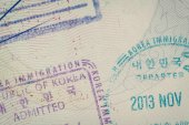 Admitted stamp of Korea Visa for immigration travel concept — Stock Photo