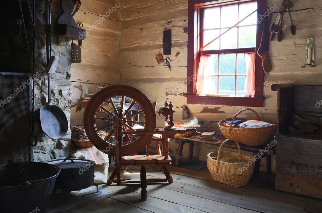 int rieur d 39 une maison de campagne ancienne avec rouet antique photo ditoriale 55254163. Black Bedroom Furniture Sets. Home Design Ideas