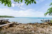 Beach and blue sea — Stock Photo